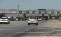 KARAYOLLARı GENEL MÜDÜRLÜĞÜ - Otoyolda Hız Sınırına Uymayan Sürücüler Gişe Önlerinde Bekliyor