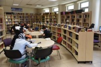 KÜTÜPHANE - Selçuklu Belediyesinin İlçeye Kazandırdığı Kütüphaneler Yaz Döneminde De Hizmette
