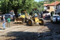 BELEDİYE MECLİS ÜYESİ - Selin Vurduğu Sübeylidere'de Başkan Uysal İşleri Bizzat Takip Etti