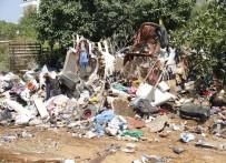 EVDE ÇALIŞMA - 5 Evden 38 Kamyon Çöp Çıktı
