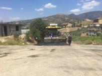 ULUDERBENT - Alaşehir'in Uluderbent Mahallesine Sıcak Asfalt