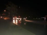ÇETİN EMEÇ - Başkent'te trafik kazası: 2 polis yaralı