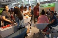 LÜTFİ KIRDAR - Bülent Ecevit Üniversitesi İstanbul Tercih Fuarı'na Katıldı