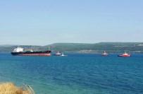 ÇANAKKALE BOĞAZı - Çanakkale Boğazı'nda Karaya Oturan Tanker Kurtarıldı