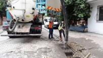 SEL BASKINLARI - Esenyurt Belediyesi Ekipleri, Şiddetli Yağışlara Karşı Seferber Oldu