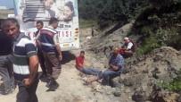 HAFRİYAT KAMYONU - Eyüp'te Hafriyat Kamyonu Ve İETT Otobüsü Çarpıştı Açıklaması 12 Yaralı