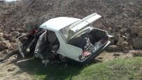 MEDINE - Hurdaya Dönen Otomobilden 5 Kişi Sağ Çıktı