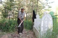 GARIBAN - Mezarcı Yılmaz'ı Son Yolculuğuna 15 Kişi Uğurladı