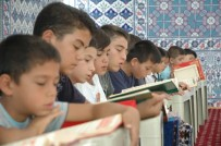 KARAOĞLAN - Kur'an Kursunda Yüzme Keyfi