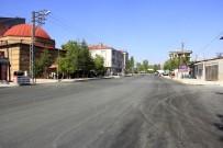 KALDIRIMLAR - Van Büyükşehir Belediyesine Pankartlı Teşekkür