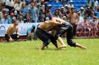 RECEP KARA - 23. Geleneksel Hünkar Çayırı Yağlı Güreşleri Başladı