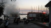 DEMIRLI - Kuşadası'nda Lüks Yatta Yangın