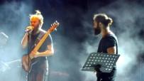 KORAY AVCı - Ayvalık'ta Koray Avcı'dan Müthiş Konser