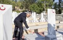 İSTIKLAL MARŞı - Başbakan Yıldırım, KKTC'de Boğaz Şehitliği'ni Ziyaret Etti