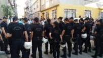 Bursa'da Uyuşturucu Sattığı İddia Edilen Aile İle Mahalleli Arasında Kavga Açıklaması 3 Yaralı