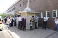 GAZİ YAŞARGİL - Büyükşehir Belediyesi Her Gün 4500 Kişiye Ücretsiz Limonata Dağıtıyor