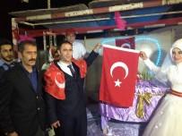 ÜLKÜ OCAKLARı - Düğünlerde Kur'an-I Kerim Ve Türk Bayrağı Hediye Ediyorlar