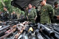SAVUNMA BAKANI - Filipinler Devlet Başkanı Duterte, Marawi'yi Ziyaret Etti