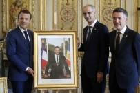 FRANÇOİS HOLLANDE - Fransa'da Macron'un Portresi Polemiği