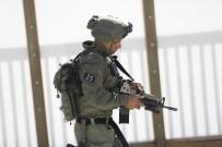 SES BOMBASI - İsrail polisi Mescid-i Aksa'da cemaate saldırdı: 22 yaralı