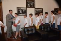 BASKETBOL TAKIMI - Kaymakam Sırmalı Şampiyon Efeleri Tebrik Etti