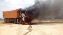 HAFRİYAT KAMYONU - Kocaeli'de Hafriyat Kamyonu Küle Döndü