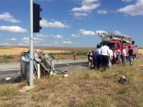 Korkunç Kaza Açıklaması 3 Ölü, 32 Yaralı