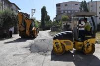 KALDIRIMLAR - Muş'ta Geçici Asfalt Çalışmaları Devam Ediyor