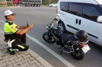 Samsun'da Kamyonet İle Motosiklet Çarpıştı Açıklaması 2 Yaralı