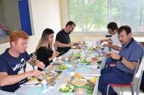 BALıKESIR DEVLET HASTANESI - Şizofreni Hastaları Yemek Yaparak Şifa Buluyor