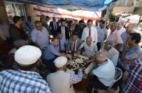 Tunceli Valisi, İlçe Ziyaretinde Dut Silkeleyen Vatandaşa Branda Tuttu