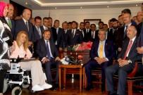 HAKAN ÇAVUŞOĞLU - Veysi Kaynak, Başbakan Yardımcılığı Görevini Hakan Çavuşoğlu'na Devretti