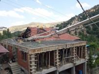 TEKELI - Afyonkarahisar'da Beton Mikseri Faciası Açıklaması 1 Ölü, 2 Yaralı
