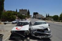 MUSTAFA ARSLAN - Besni'de 3 Otomobil Birbirine Girdi