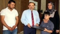 İSMAIL USTAOĞLU - Bitlis Valisi Ustaoğlu'ndan Şehit Oğluna Bilgisayar