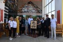 İPEKYOLU - Diriliş Gençlik Derneği, Kaymakam Öztürk'le Bir Araya Geldi