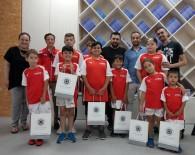 ÖĞRENCİLER - Geleceğin Yıldız Futbolcuları Sanal Gerçeklik Deneyiminde