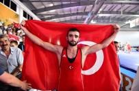 İŞİTME ENGELLİ - Güreşte Türkiye'nin Altın Yiğit'i