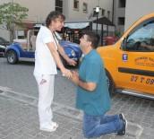 FEVZI UZUN - Hemşireye Sürpriz Evlilik Teklifi
