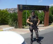POLİS HELİKOPTERİ - İstanbul'da Parklar Ve Kıraathanelere Polis Baskını
