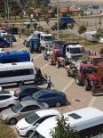 KARADENIZ - Kandıra Sahillerindeki İzinsiz Şezlonglar Toplandı