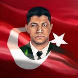 DARBE GİRİŞİMİ - Ömer Halisdemir'i Resimlerinde Yaşatıyor