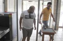 DARBE GİRİŞİMİ - Samsun'da 'Hero' Yazılı Tişört Giyen 2 Kişi Gözaltına Alındı