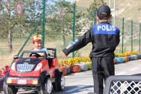 FARKıNDALıK - Sevgi Evlerinde Kalan Çocuklara Eğlenceli Trafik Eğitimi