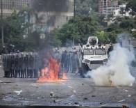 MUHALİFLER - Venezuela'da Protestolar Sürüyor Açıklaması 3 Ölü