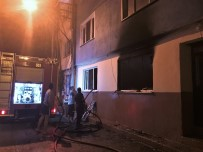 POLİS EKİPLERİ - 3 Kişiyi Yaralayan Şahsın Evinde Yangın Çıktı