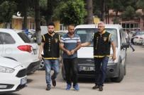 POLİS EKİPLERİ - Kiralık Araçla 45 TL Ve Telefon Çaldı, Aracı Teslim Etmeye Geldiğinde Tutuklandı