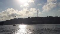 ASKERİ PERSONEL - Rus Savaş Gemileri İstanbul Boğazı'ndan Aynı Anda Geçti