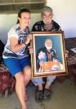 UZUN ÖMÜR - Pazarda Görüp Resmini Yaptığı Yaşlı Adama Tablosunu Bir Yıl Sonra Teslim Etti