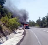 ORMANA - Seyir Halindeki Minibüs Alev Alev Yandı